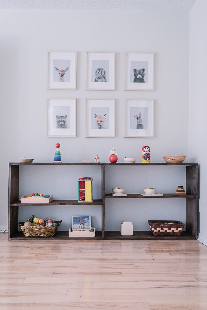 montessori dia toys shelf