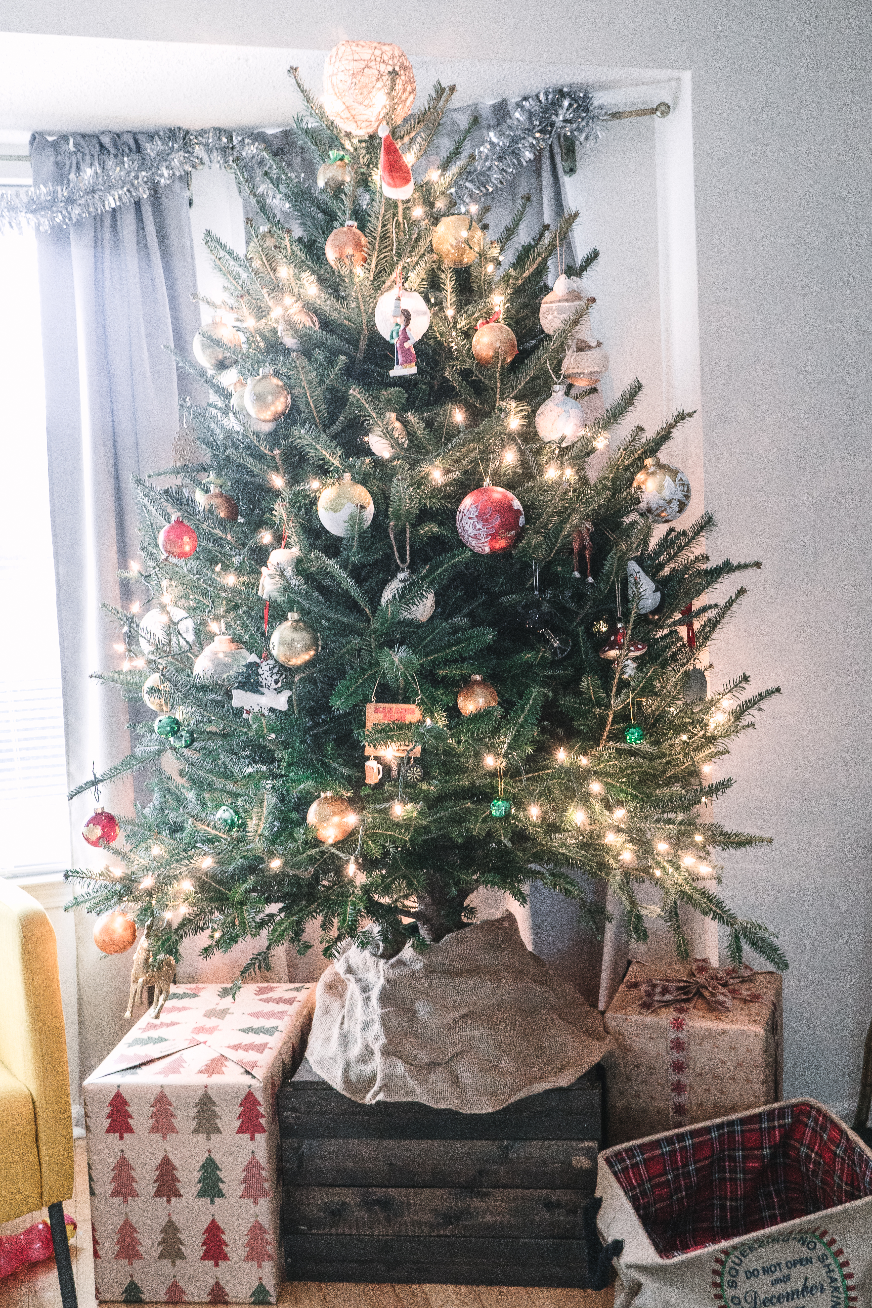 Toddler Proof Christmas Tree.Ideas How To Toddler Proof Your Christmas Tree
