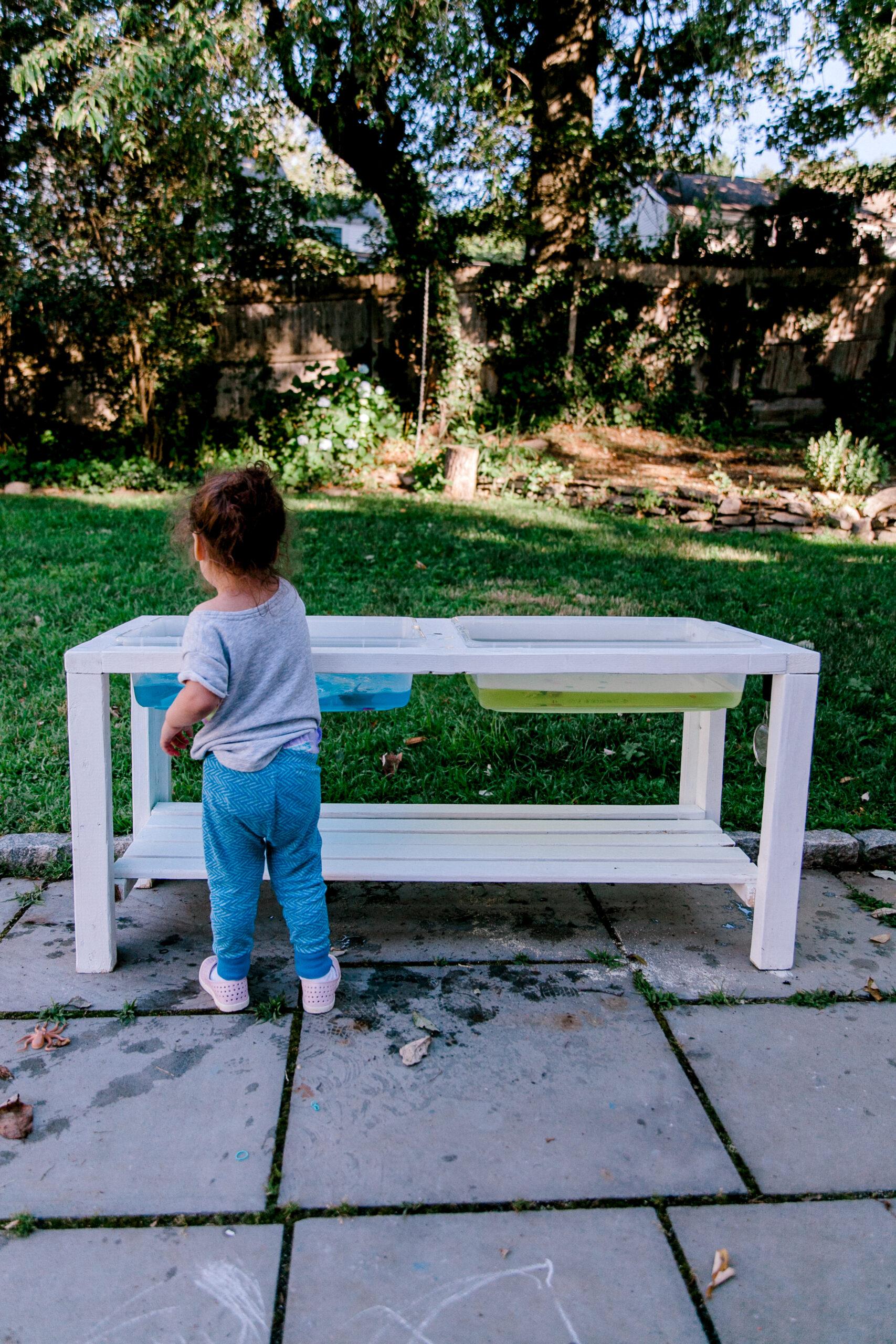 montessori sensory table