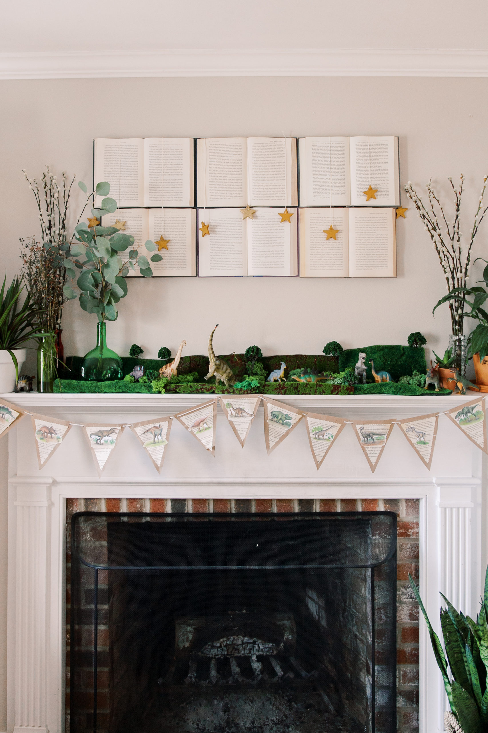 successful toddler dinosaur party at home