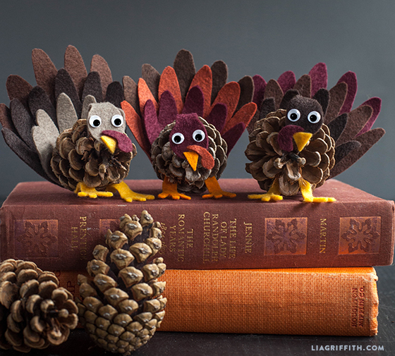 Fall kid's craft Pinecone turkey