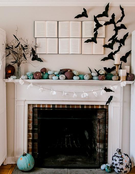 spooky halloween mantel decor