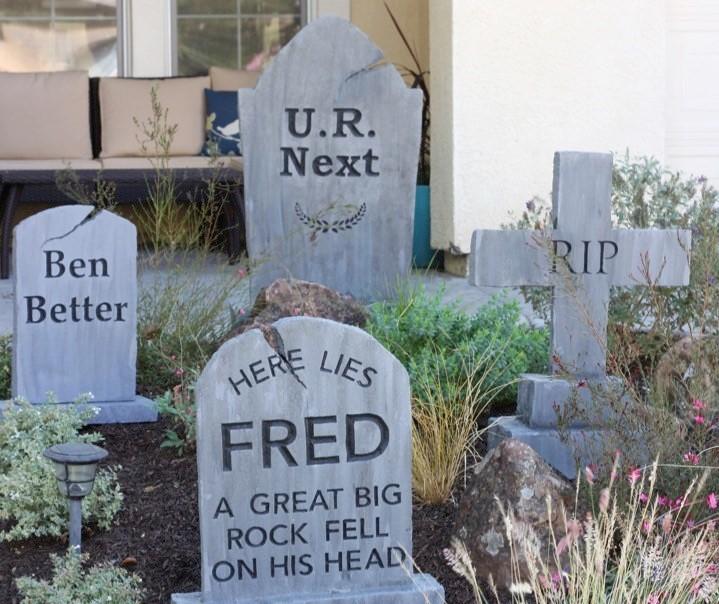 Easy Graveyard Foam Tombstones